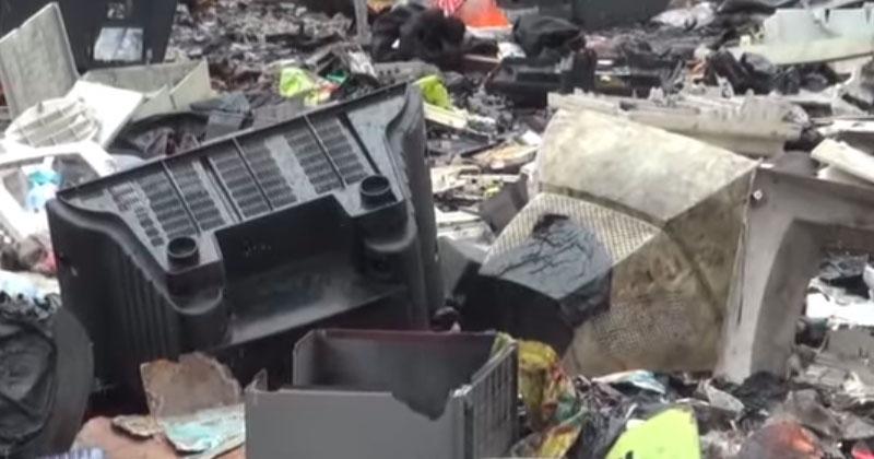 tv og compytere på losseplads