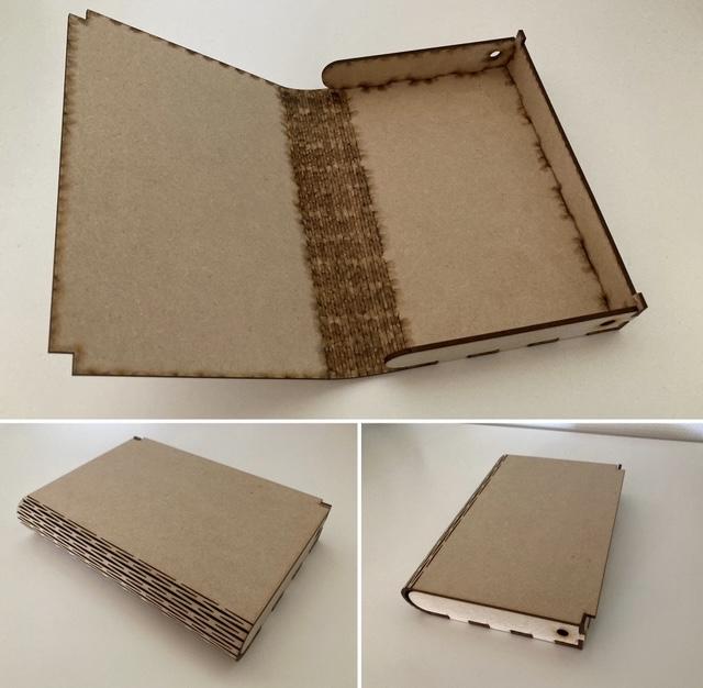 Collage med tre billeder, der viser en bog/æske, som er skåret i finer på en laserskærer. Bogen vises indeni og fra to forskellige vinkler udenpå