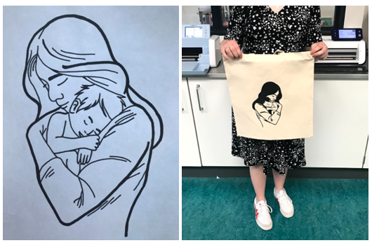 Billedet viser en elevs skitse til motiv og det endelige motiv på en mulepose. Motivet er en mor, der holder sin baby på armen. Babyen hviler trygt mod morens skulder. Muleposen er råhvid og motivet er påsat med sort tekstilfolie.
