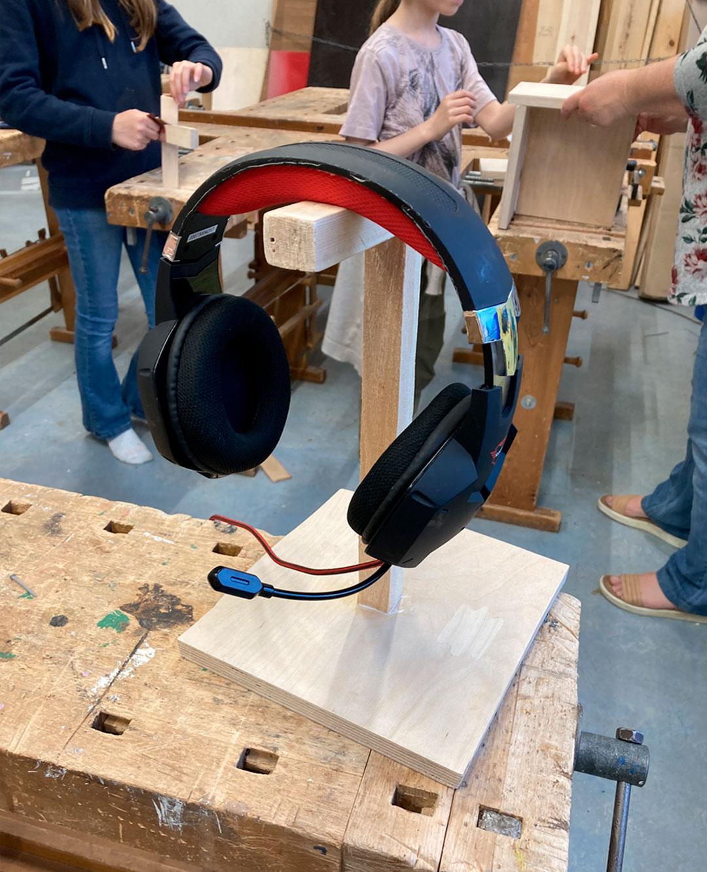 Høretelfoner på færdigt stativ